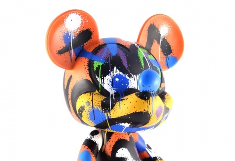 Mist revisite Mickey Mouse